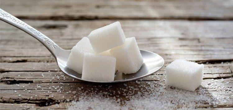 Açúcar - esse composto que nos vicia e faz tão mal a nossa saúde.