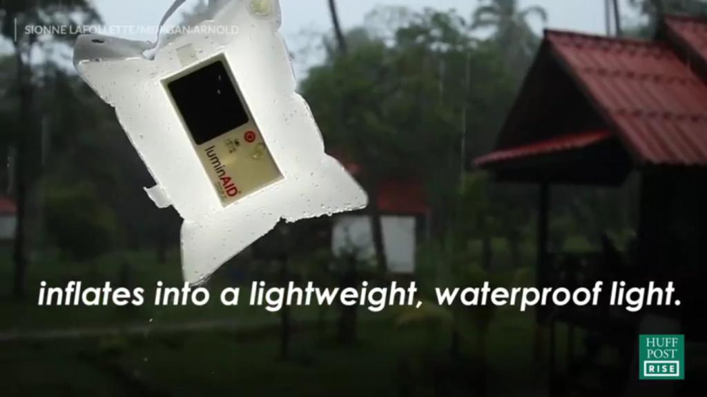 Luminária solar inflável a prova d'água