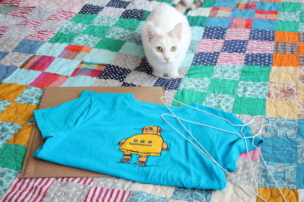 Materiais para fazer a casinha de gatos.