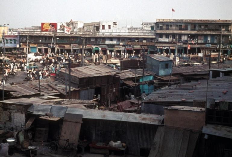 Algumas favelas crescem de forma tão desordenada, que viram quase um mistério.