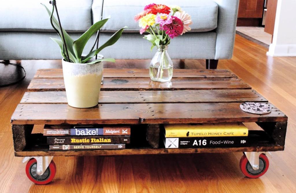 Mesinha com livros