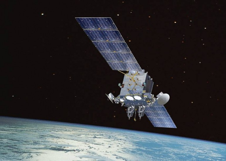 Satélites mantém comunicações em longa distancia com a terra