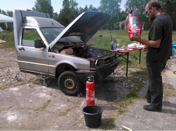 Churrasqueira de carro.